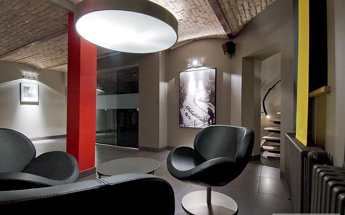 restructuration d 39 un local en bureaux d 39 entreprise hall d 39 accueil martign sur mayenne. Black Bedroom Furniture Sets. Home Design Ideas