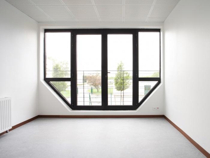 Transformation d'un bâtiment en maison des associations : Trappes_01