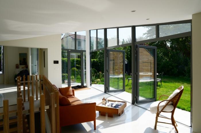Maison dans le jardin : séjour-2