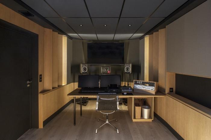 Rénovation de bureaux et création d'un studio de post-production : CRM-BBD_8128