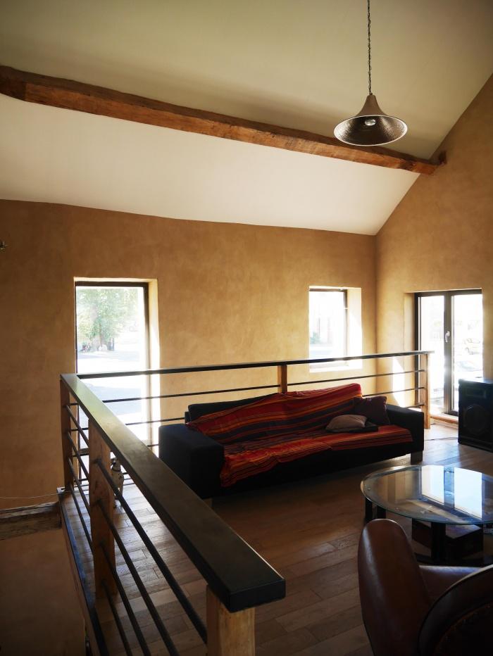 Transformation d'une grange en loft : Salon étage