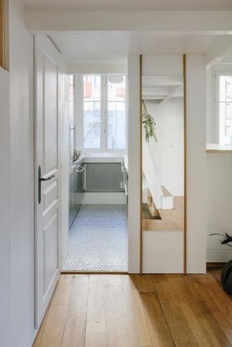 Rénovation d'un appartement duplex : 05 Cuisine miroir
