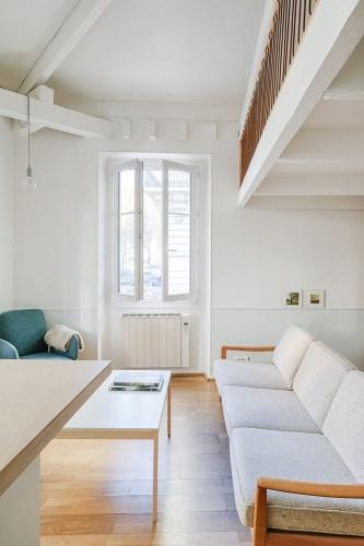 Rénovation d'un appartement duplex : 10 Salon garde-corps