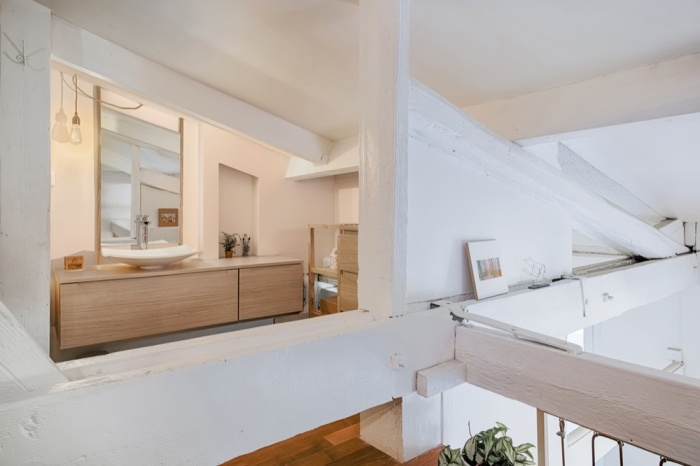 Rénovation d'un appartement duplex : 13 Salle de bain depuis chambre