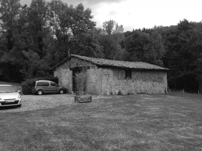 Transformation d'une grange en habitation, transformation de la toiture : Exte?rieur test avant NB