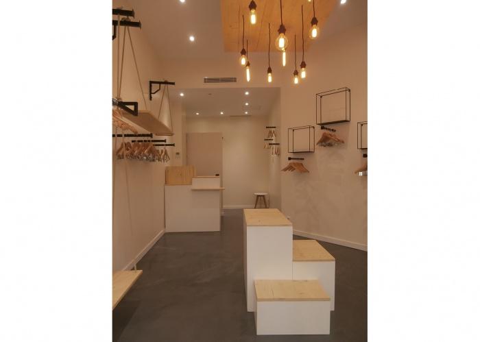 Rénovation Boutique rue Saint Dominique : WEB_Ropa_150dpi_vue depuis vitrine
