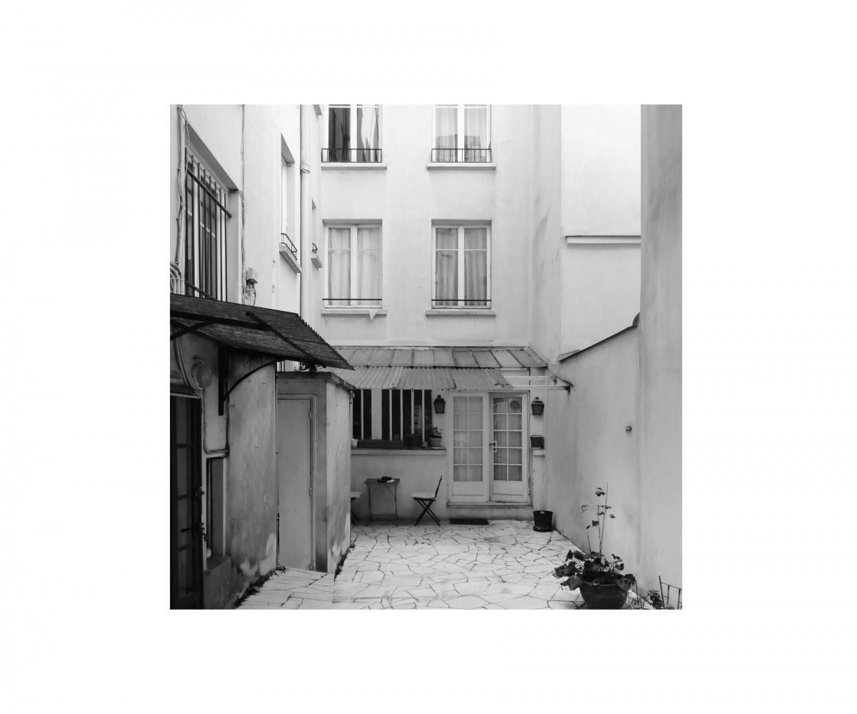 Extension et rénovation d'un appartement sur une cour d'immeuble : RUISSEAU Exte?rieur existant nb contour carre?